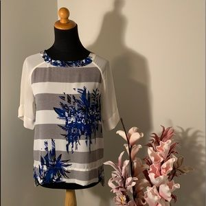🌺2/$15🌺RW&CO blue and white top size XS